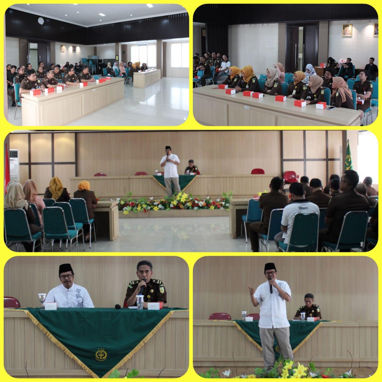 Siraman Rohani Rutin Kejari Surabaya 03-09-2018