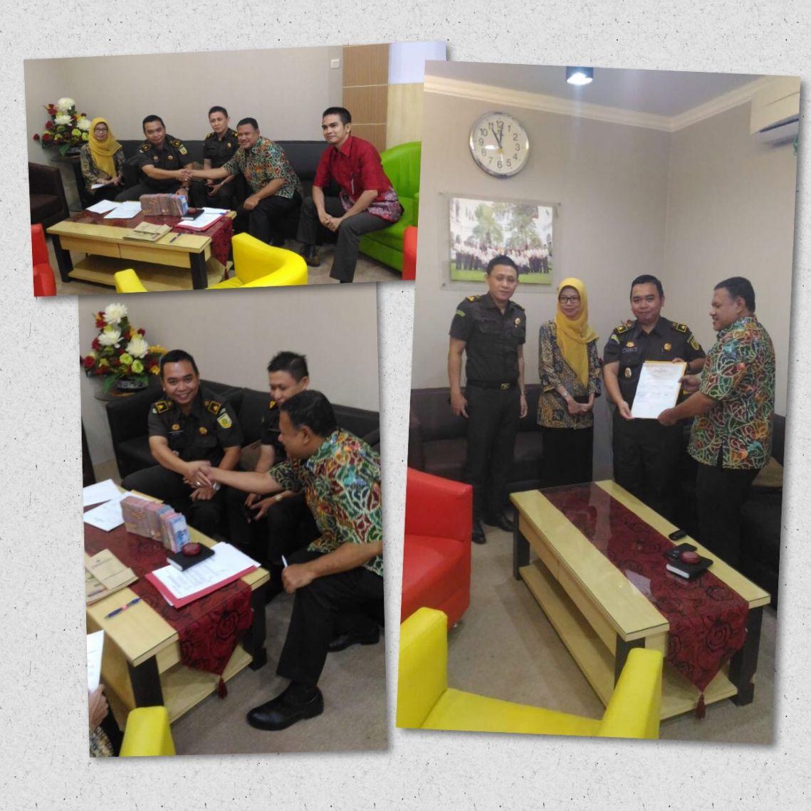 Penyerahan Uang Titipan Oleh Kejaksaan Negeri Surabaya