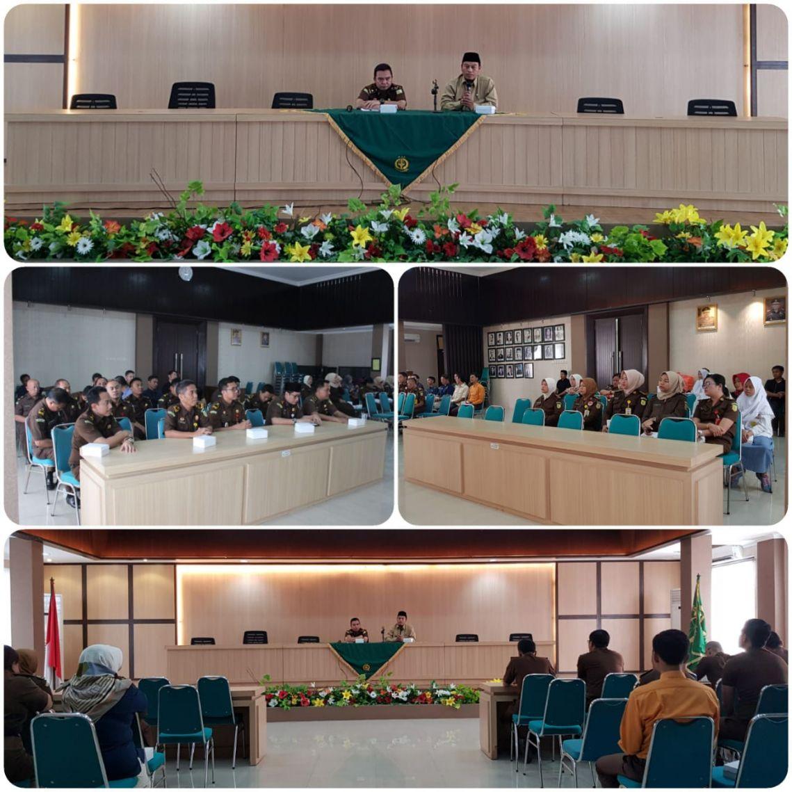Siraman Rohani Rutin Kejari Surabaya 04-03-2019